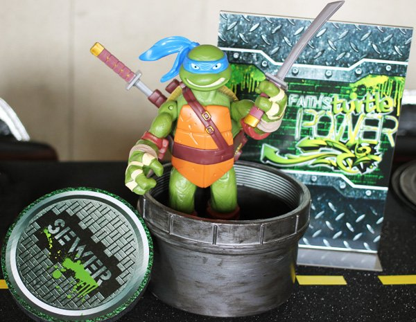 turtle party centerpiece