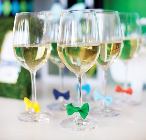 wine glasses with bow tie drink markers