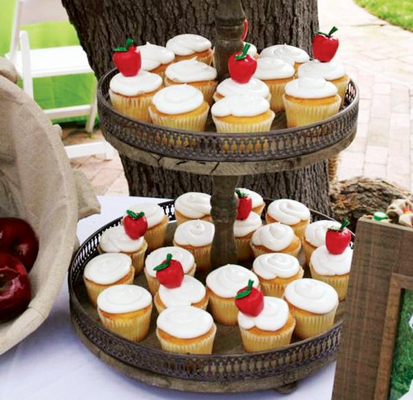 apple cupcakes for a giving tree first birthday