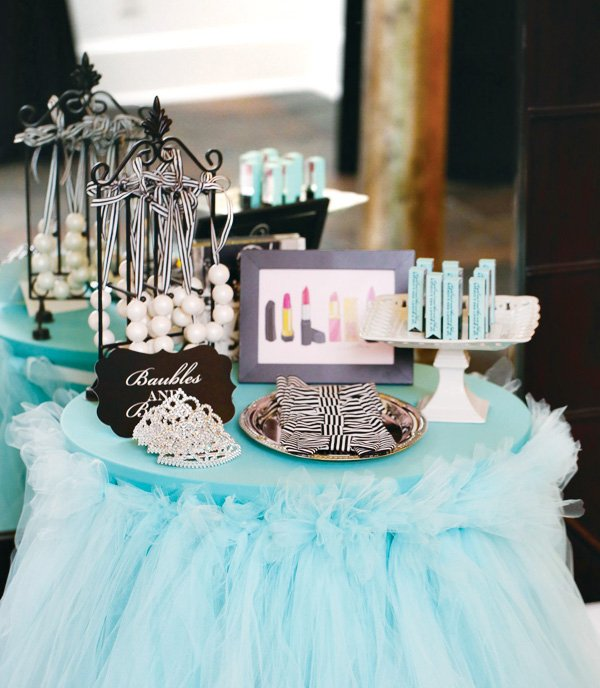 breakfast at tiffany's movie photo booth props