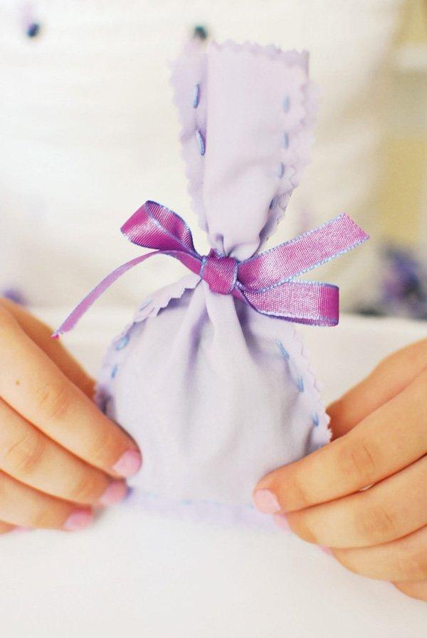 lavender-sachet-diy-tutorial