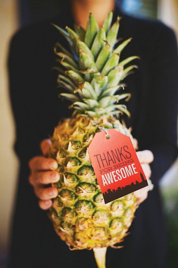pineapple favors
