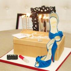 stylish bridal shower cake
