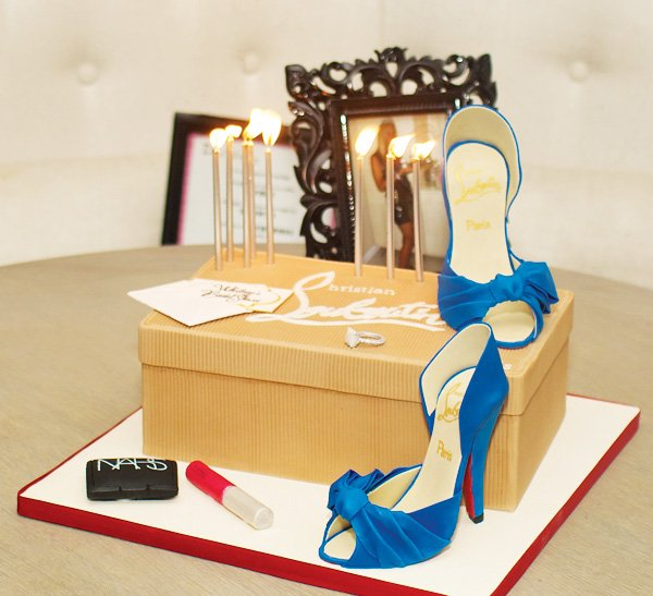 stylish bridal shower cake