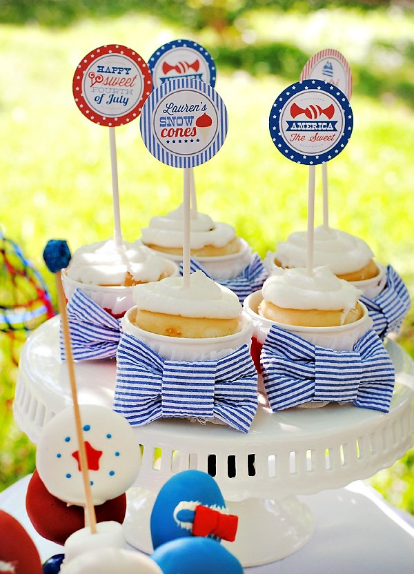 July 4th Cake Bow Tie Cupcakes