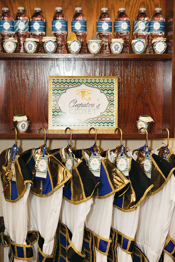 """""""Cleopatra's Closet"""" with egyptian dresses"""