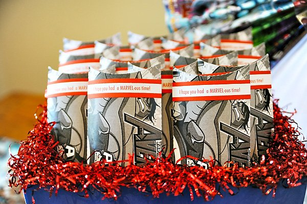 Comic book party favors