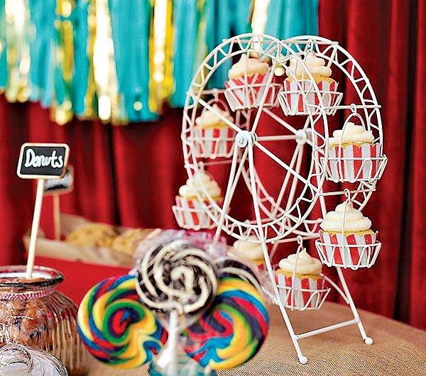 cupcake ferris wheel