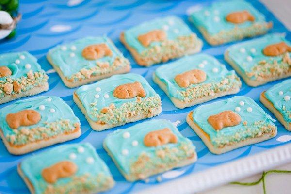 dish fish cookies