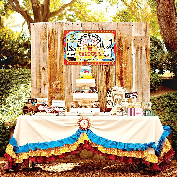 donald duck dessert table with ruffled table cloth