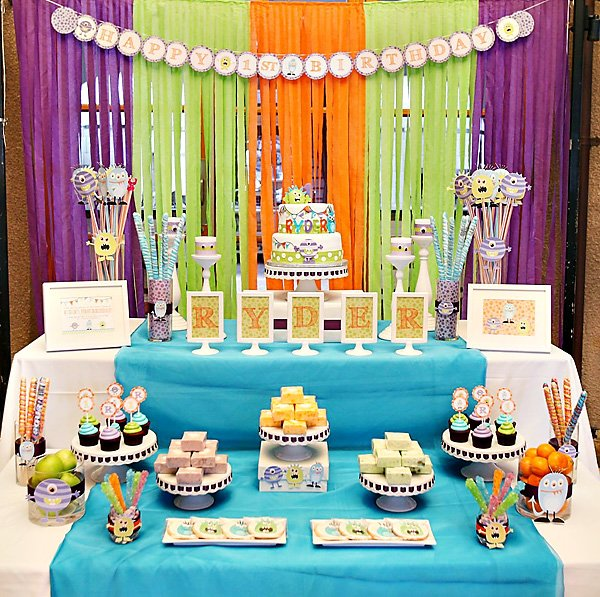 monster party dessert table