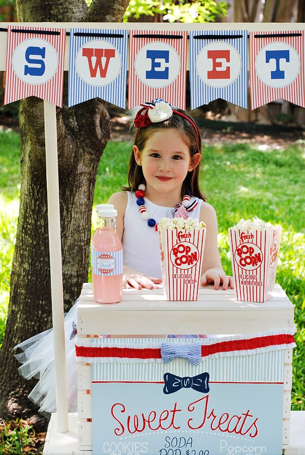 popcorn stand for a july 4th party