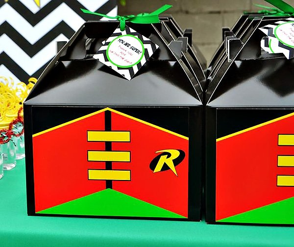 Robin themed gable box