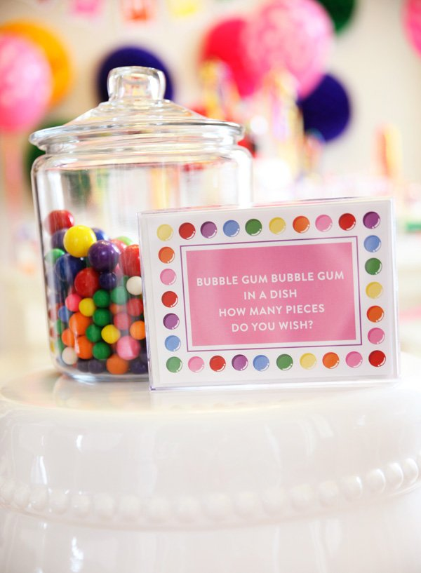 Bubblegum Party Guessing Game