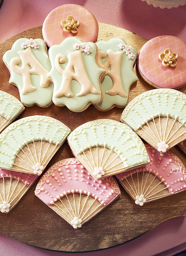 Pretty Fan sugar cookies