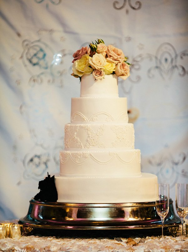 Beautiful lace inspired wedding cake