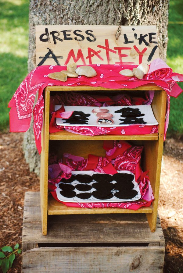 matey pirate dress up activity