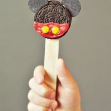 Mickey Mouse Oreo Pop