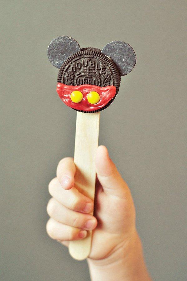 Mickey Mouse Oreo Pop