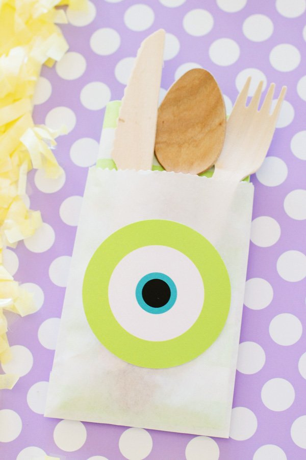 mike wazowski utensil pack