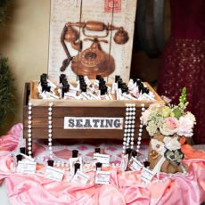 Nail polish seating cards