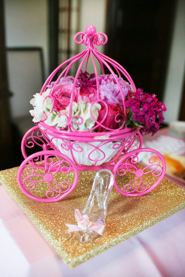 carriage and floral centerpiece
