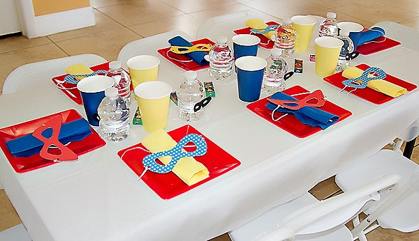 super hero kids table