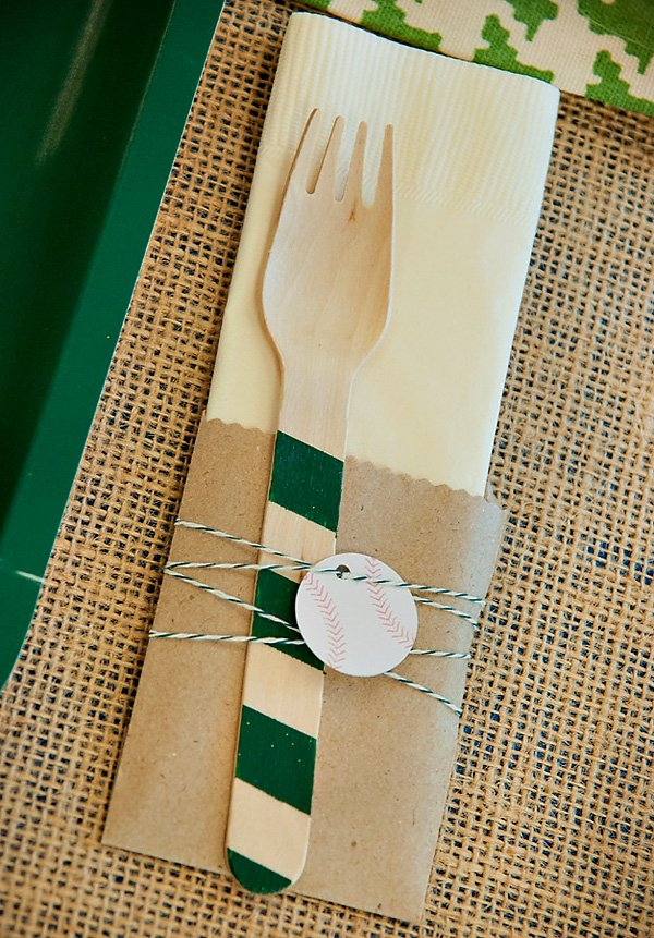 Burlap and green place setting