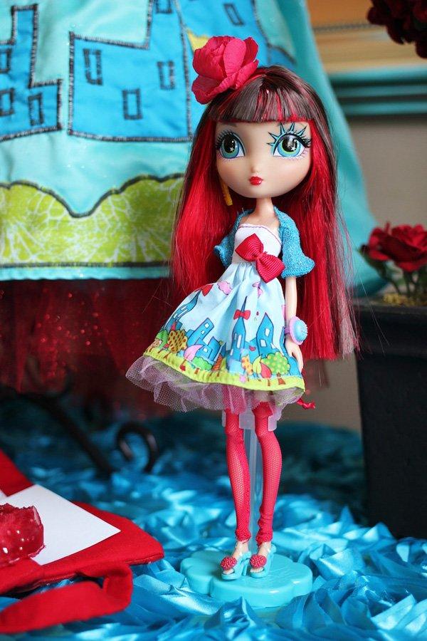 LaDeeDa doll