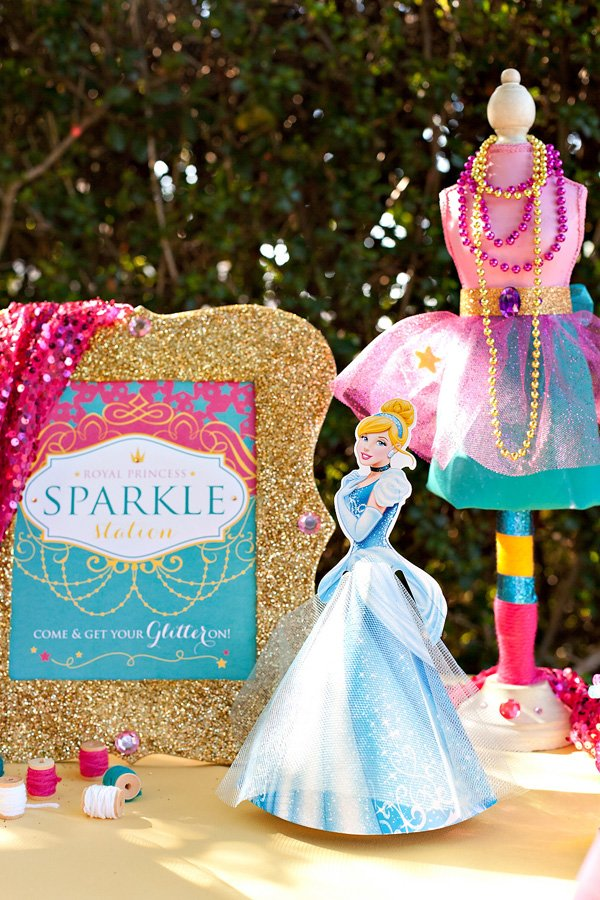 Sparkly Disney Princess Dream Party {+ Free Printables} // Hostess with the Mostess®