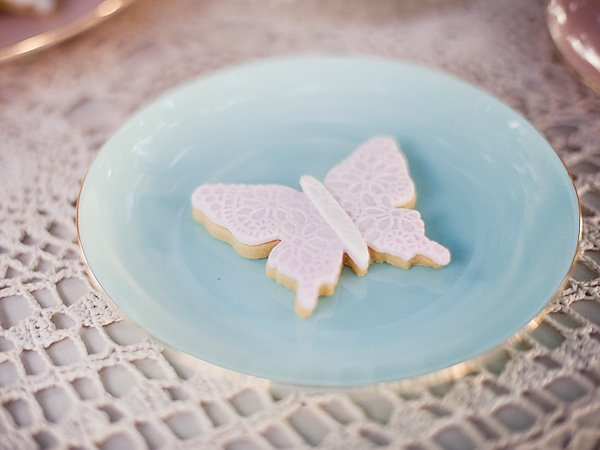 doily butterfly cookie
