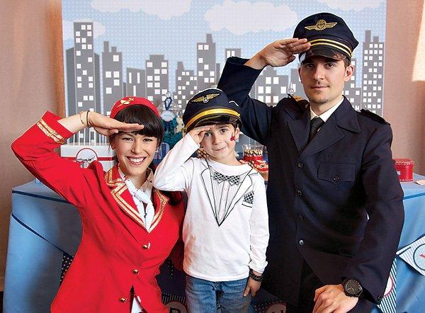 Flight attendant and pilot costumes