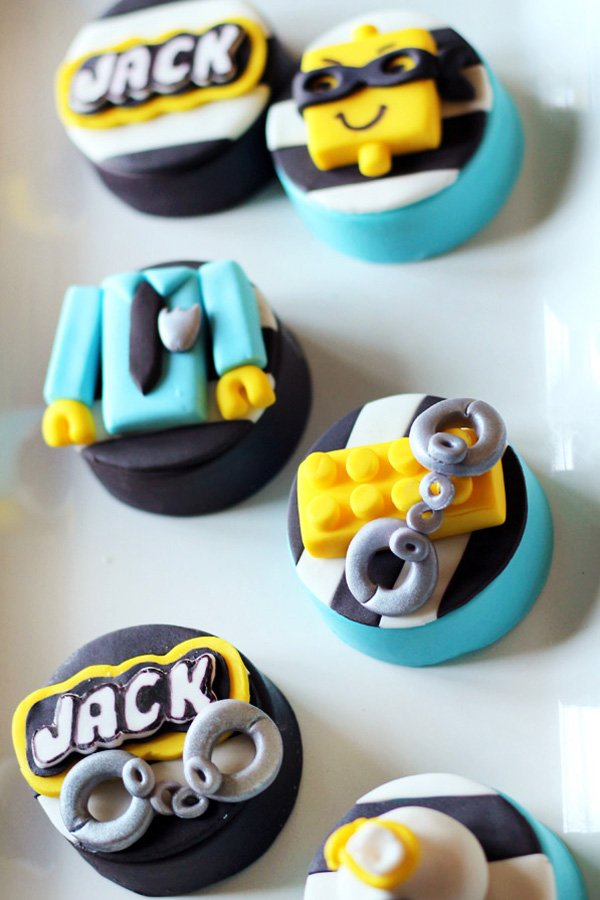 Lego Cops & Robbers Oreo Toppers