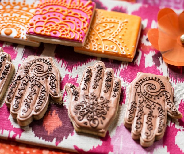 Henna Party Nyc : Modern indian inspired engagement party hostess with