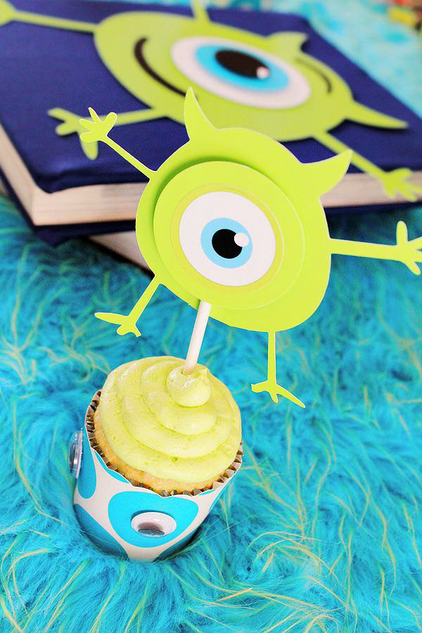 mike wazowski cupcake