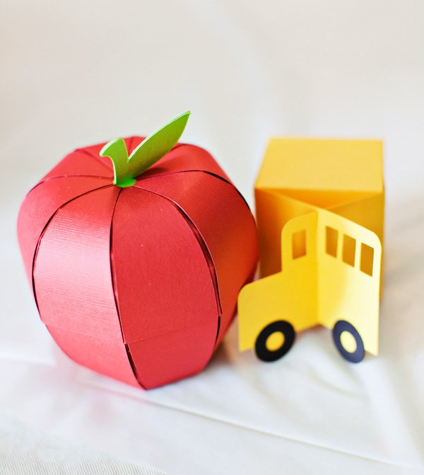 paper apple and school bus