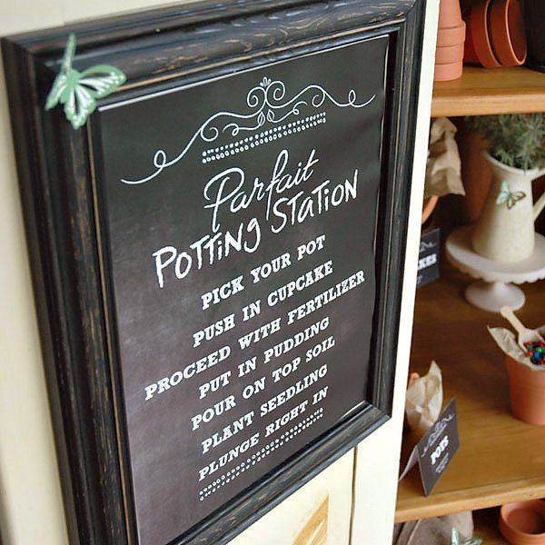 parfait station sign