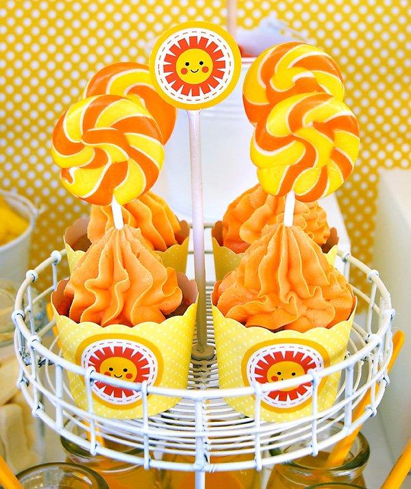 lollipop cupcakes