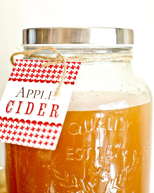 apple cider in a mason jar