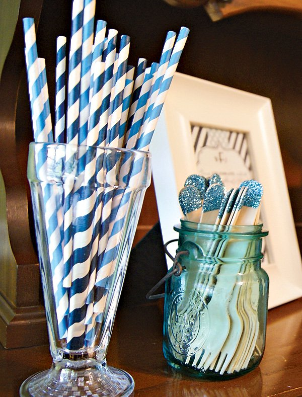 blue stripe straws