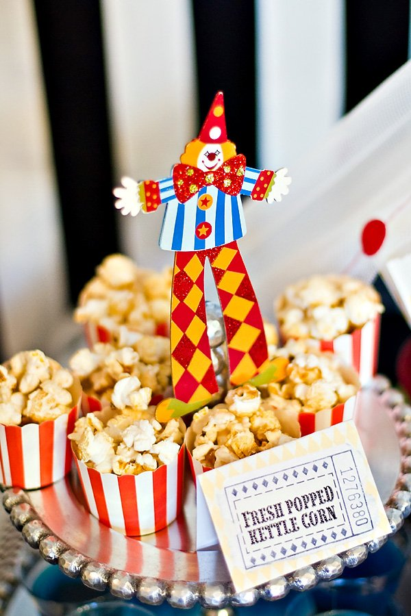 clown decorations for popcorn cups