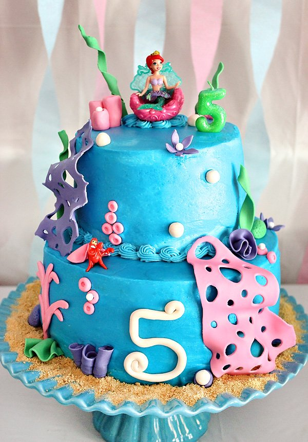 Lets Dive Under The Sea To Celebrate Aubreys Bubbly 5th Birthday This Pink Blue And Girly Bash By Auntie Beas Bakery Is Full Of Adorable Mermaid Party