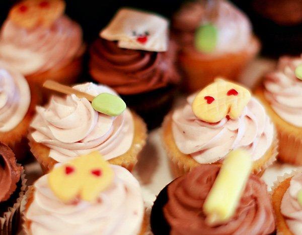 oven mitt cupcakes