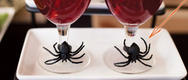 halloween drinks with spider ring drink charms