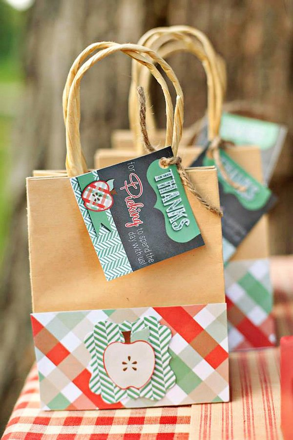 apple picking party bags