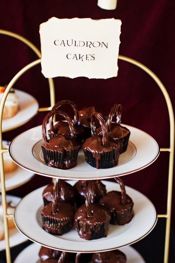 cauldron cupcakes