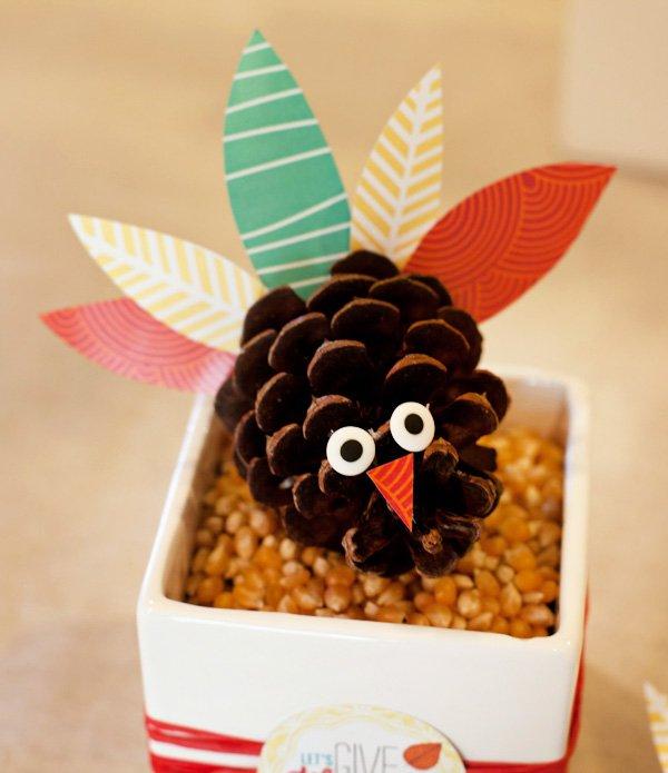 hwtm pinecone turkey thanksgiving