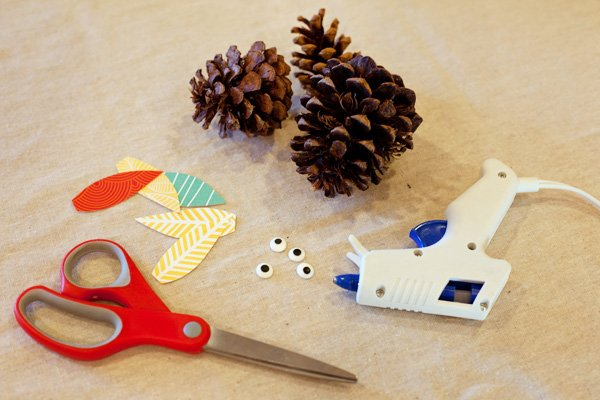 pinecone turkey craft for thanksgiving