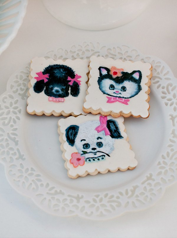 puppy and kitty cookies with a scalloped edge