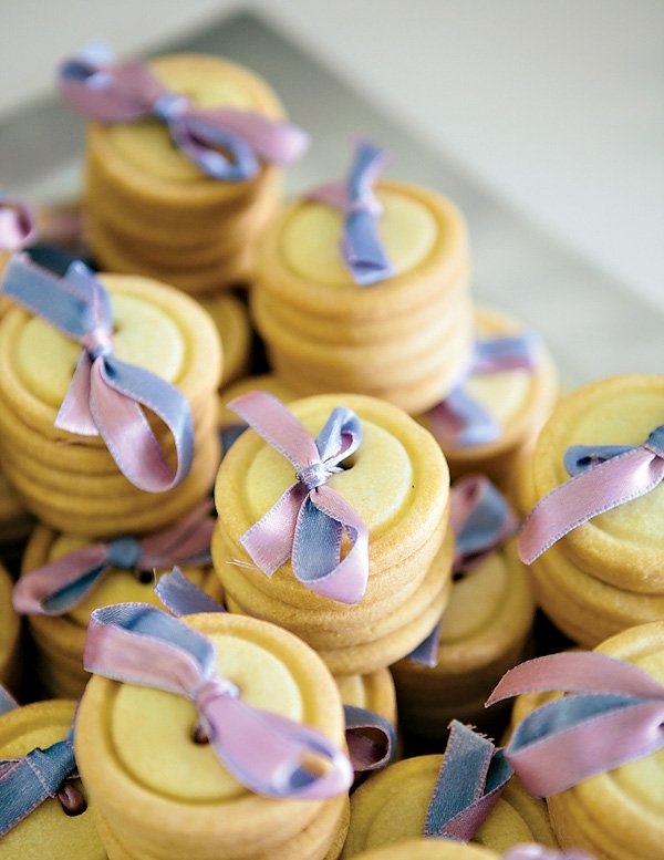 ribbon tied button cookies